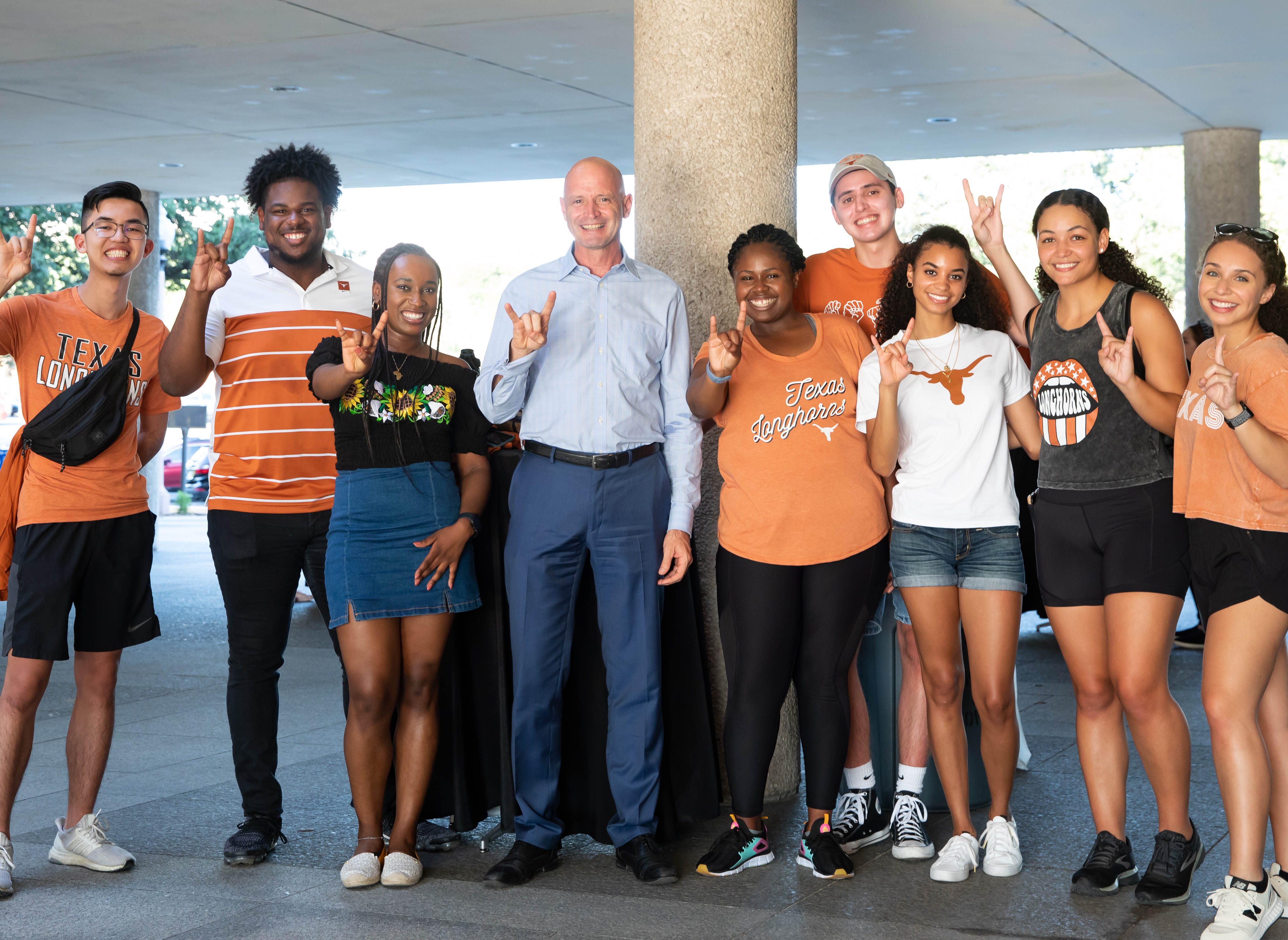 Dean-designate JR DeShazo with incoming students at Gone to Texas 2021